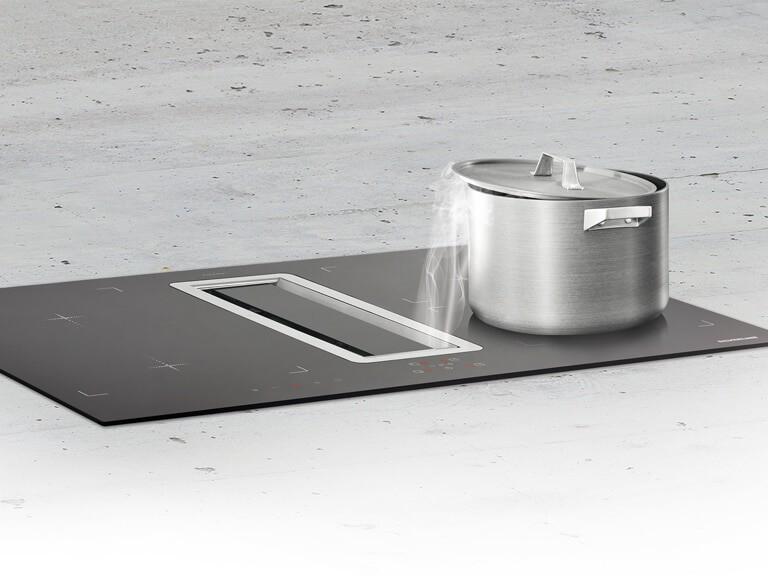 Randabsaugungsplatte aus schwarzem Hartglas passend zum Induktionskochfeld